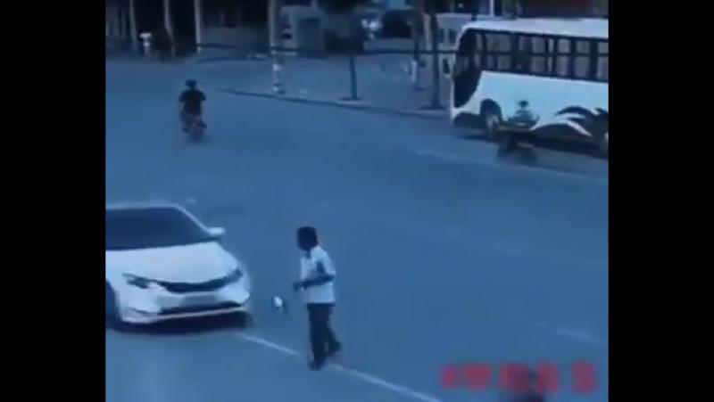 Sergio Ramos crossing the road...