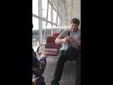 Сборная Кыргызстана развлекается в аэропорту