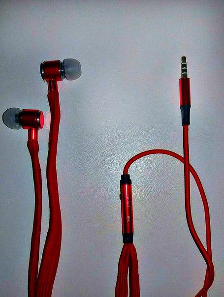 Стильні та компактні стерео навушники з мікрофоном. Надзвичайно зручні