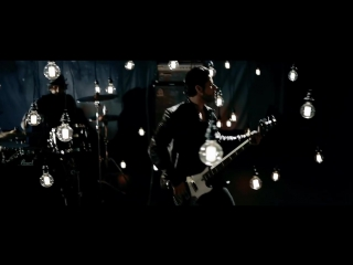 Papa Roach - Gravity (feat. Maria Brink)