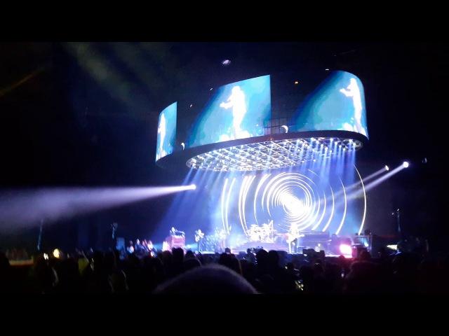 Queen Adam Lambert - Don't Stop Me Now (Stockholm 2017)