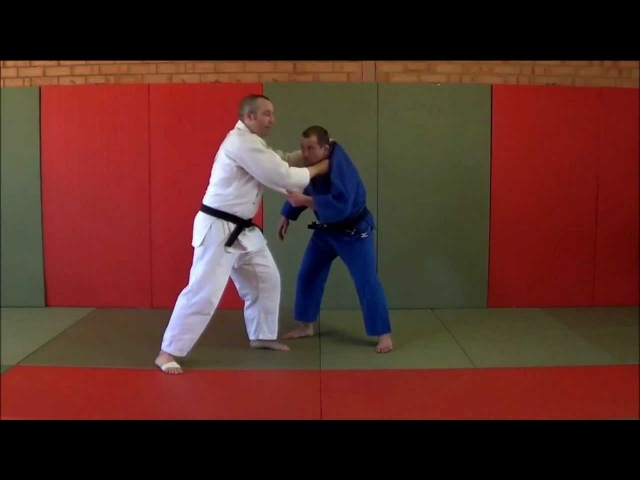 Judo: Standing strangle