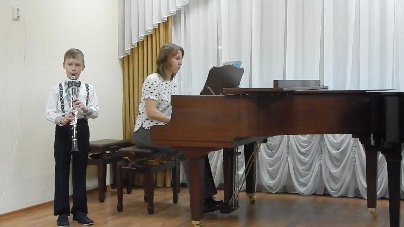 Первое выступление Тимофея на кларнете! М.Глинка Ты соловушка умолкни...