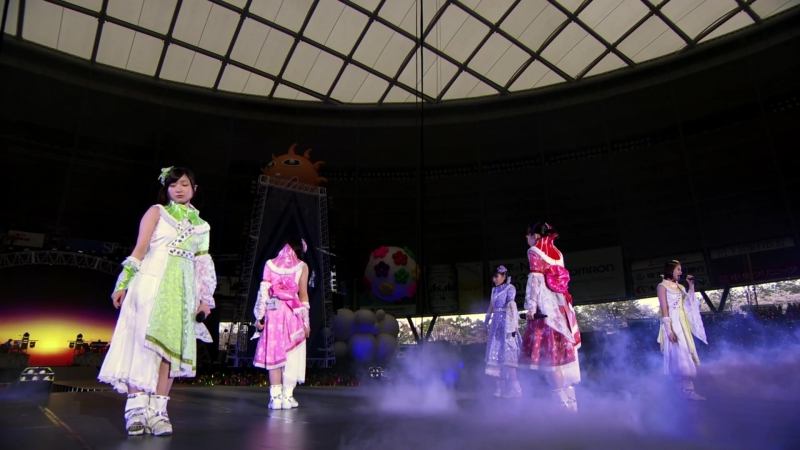 Momoiro Clover Z - Hakkin no Yoake [Dome Trek 2016]