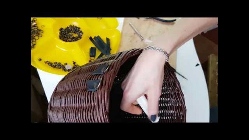Устанавливаю ручки на сумку. Работа с кожей и фурнитурой.