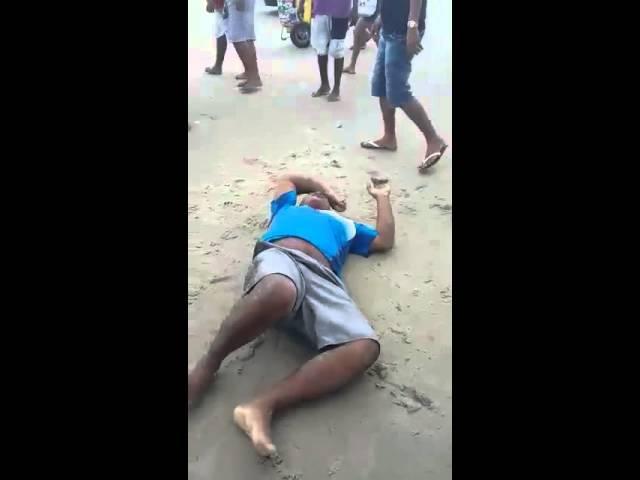 Linchamento de ladrões na praia de São Luís