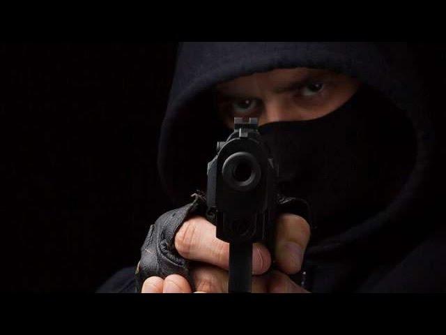 Вадим Старов Защита от Пистолета Обезоруживание и Выбивание