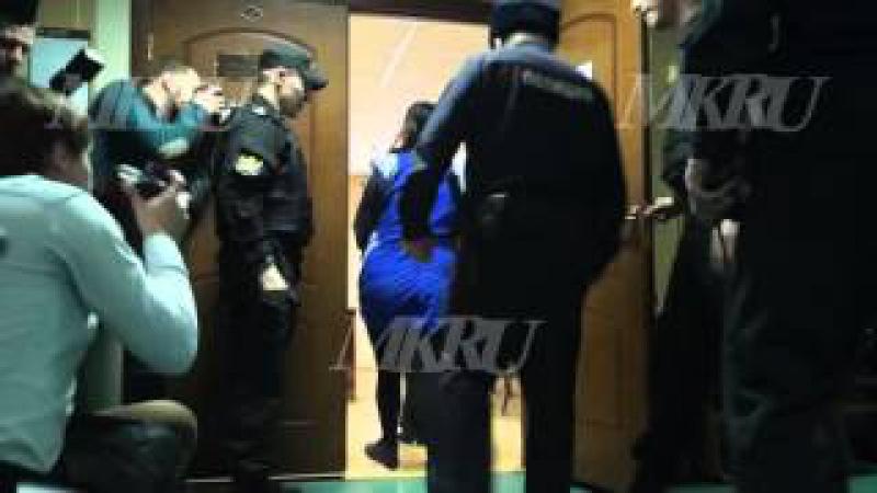 На видео ареста в суде няня, убившая девочку, объяснила мотив
