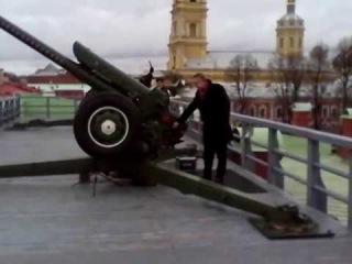 Павел Кашин полуденный выстрел из пушки в Петропавловской крепости