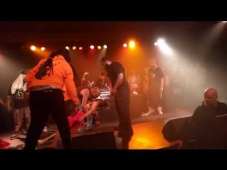 XXXTentacion теряет сознание на шоу в Сиэтле (15.06.2017)