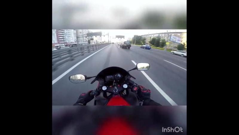 Honda CBR 600 F4i чуть не разложился