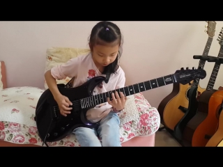 Simply out of this World Amazing Guitar Solo by an  Incredible 8 Year Old Girl! YOYO (Liu Wei) born in 12th Dec 2006 from China