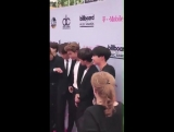 [FAN] BBMAs Magenta Carpet [170521] TWITTER
