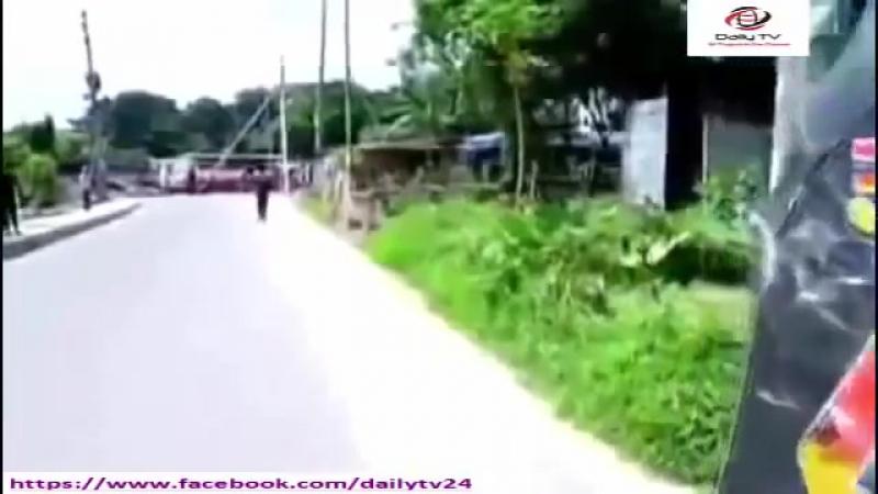 Ami Mofiz Hote Chai Mosharraf Karim Natok