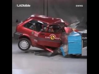 Автомобиль из 1997 года против автомобиля из 2017.