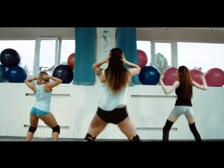 That's My Bae dances Twerk Ito Like Miley with the girls
