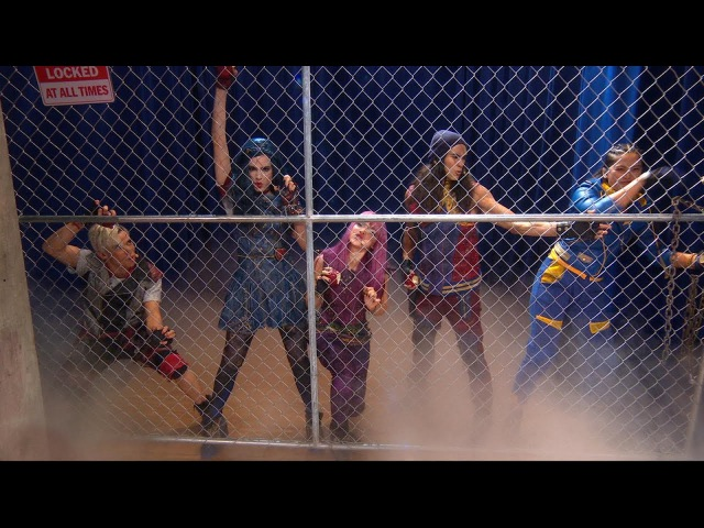 'Descendants 2' cast members perform 'Ways to Be Wicked' and 'What's My Name' live on 'GMA'