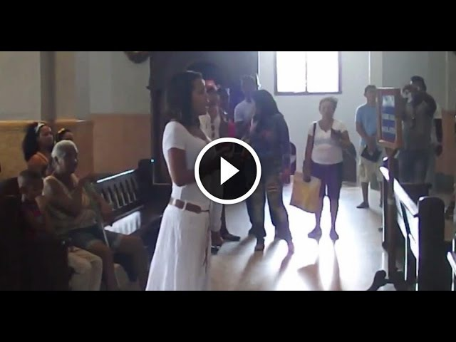 Laritza Bacallao sorprendió en El Cobre cantándole a la Virgen