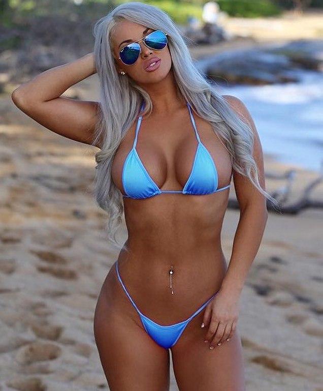 Blonde Bikini Bimbo Hottie 1