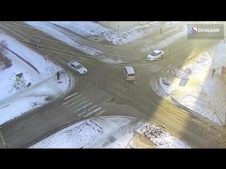 ДТП на перекрёстке Ленинградская - Пугачёва.