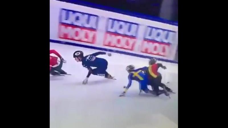 Sk_skrinnarenBåde Jacke och Fabrice vidare från de preliminära heaten till heaten idag på 1000m. Händelserika lopp där båda går