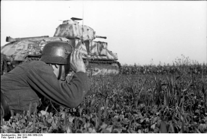 Трофейный Somua S-35 во Фландрии 30.06.1944.