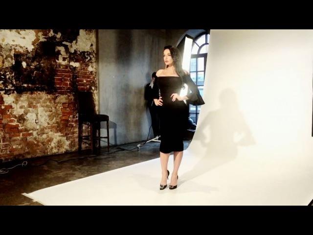 Кадры с красивой фотосессии восхитительных Эвелины Блёданс и Алёны Водонаевой