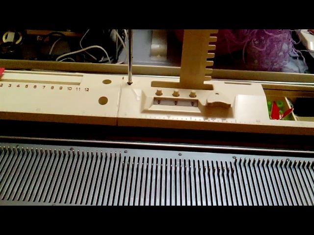 Ремонт селекторного устройства по отбору игл на Toyote 858 /ролик 2/.