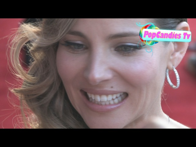 Elsa Pataky signs at Thor Premiere in Hollywood