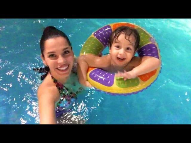 Дружная семья Салибековых наслаждается отдыхом в аквапарке