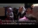 Athénban a türelmetlen sáskák mielőbbi családegyesítést követeltek a német nagykövetség előtt