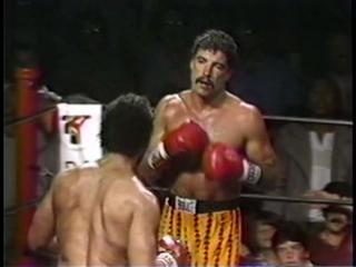 Dennis Alexio vs Bernard Clark