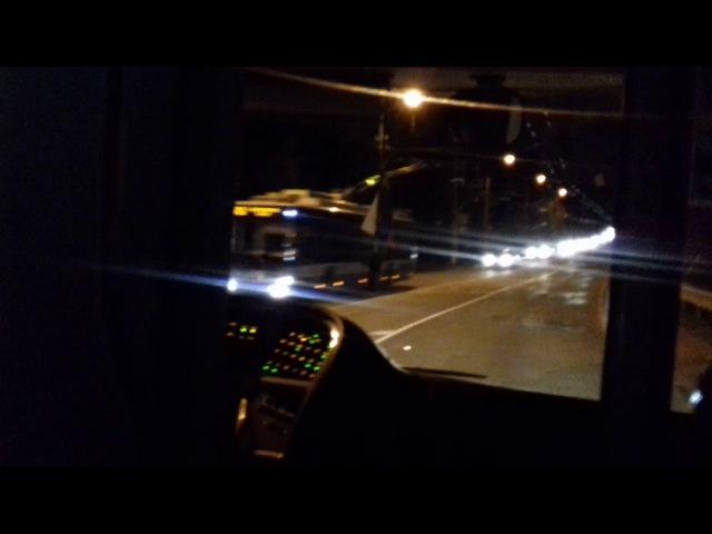 Троллейбус TROLZA тяжело едет на затяжном подъёме