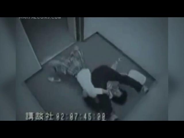 девушка борцанула грабителя в лифте