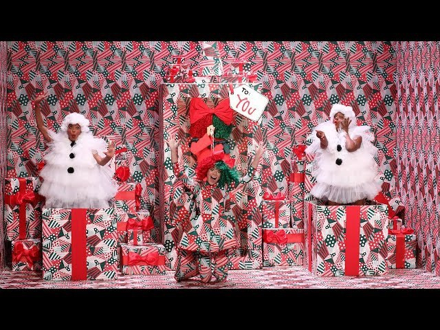 Sia Unwraps a Special Holiday Performance of Snowman