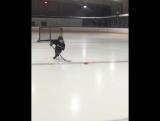 Маленький хоккеист вундеркинд. THIS is how 7 year olds train in Alaska