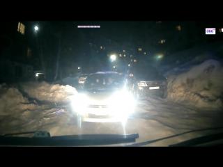 Блокировавшую дорогу скорой помощи жительницу Камчатки сняли на видео