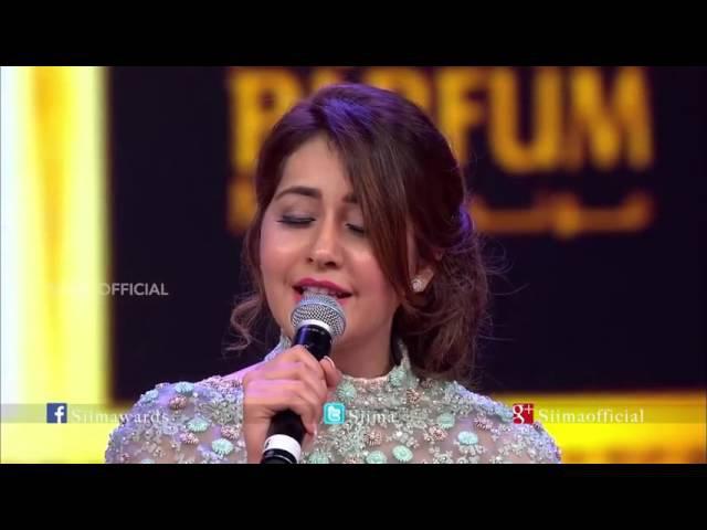 Rashi Khanna singing @ SIIMA 2015 Oohalu Gusagusalade