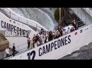 Испания Реал Мадрид команда празднует победу Лиги Чемпионов на своем родном поле.