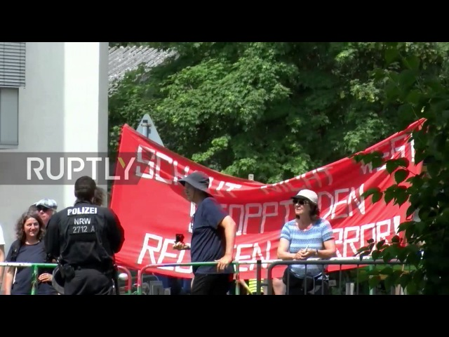 Германия Правопорядка сторонники в Карлсруэ превзошли по численности контр протестующих