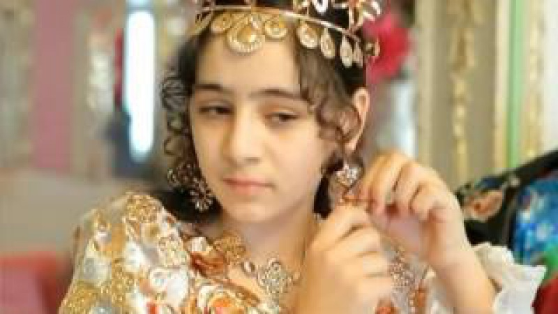 Цыганская богатая свадьба Фата и платье из золота 집시 결혼식