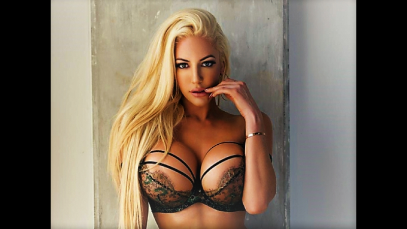 Nicolette Shea taking off her sexy lingerie and exposing her flawless curves № 519268 загрузить