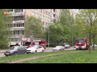 Мужчина угрожает взорвать гранату. Санкт-Петербург