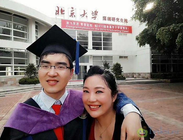 Медики просили китаянку отказаться от умственно отсталого ребенка, но только посмотри какой он сейчас!
