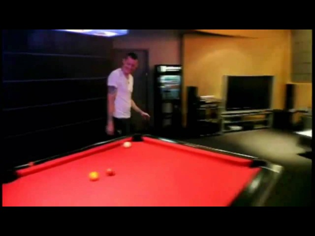 Chester and Mike play billiards