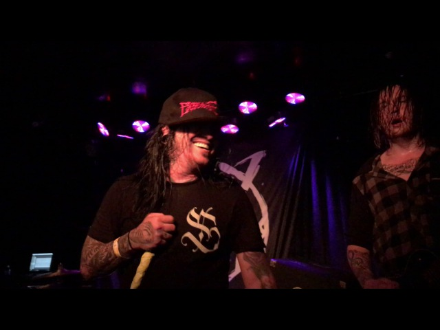 Craig Mabbitt covers Blessthefall Higinia The Dead Rabbitts