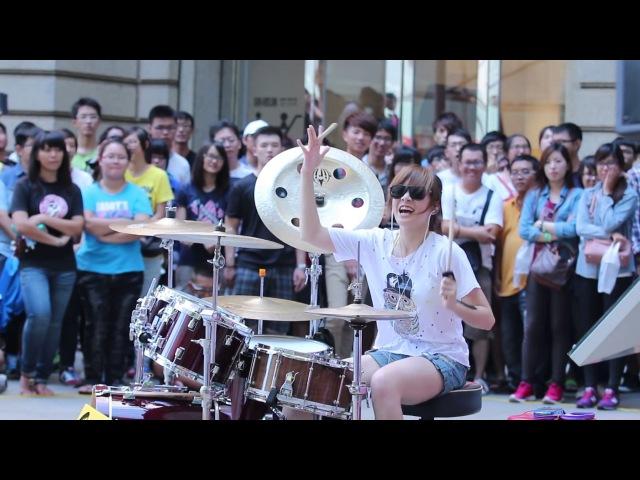羅小白S. White-高雄夢時代 Барабанщица-виртуоз из Тайваня.Amazing Girl Drummer