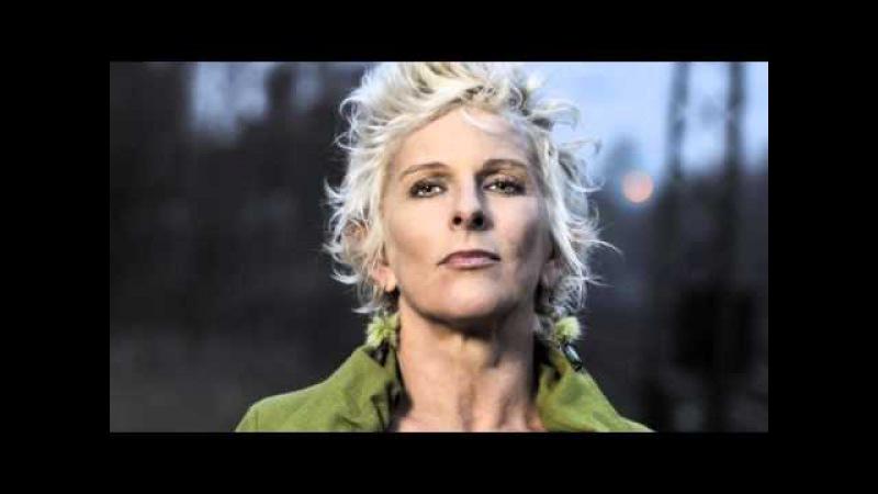 Lee Oskar Harmonicas - Featured Artist Kellie Rucker