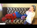 Superheroes prank BAD BABY Пранк над ЧЕЛОВЕКОМ ПАУКОМ какашка в мороженом и большая кнопка