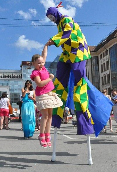 Фестиваль откроется во вторник, 18 июля, большим карнавальным шествием